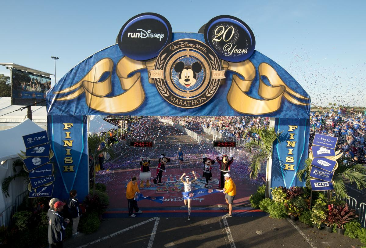 rundisney 2013 2013 Walt Disney World Marathon Female Winner Renee High_0
